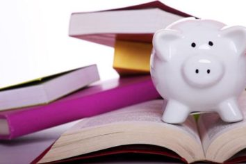 How to Effectively Finance Your Education with Part Time Work