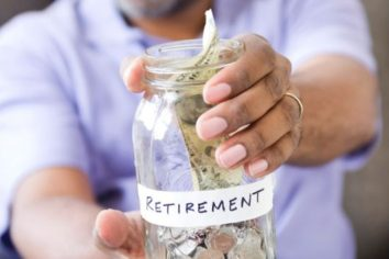 5 Tips on Saving for Retirement While Paying for Personal Loans