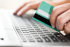 Why You Should Be Using Online Money Transfer Systems to Send Money Overseas