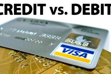 Credit vs Debit – Which is a Better Option for Online Use?