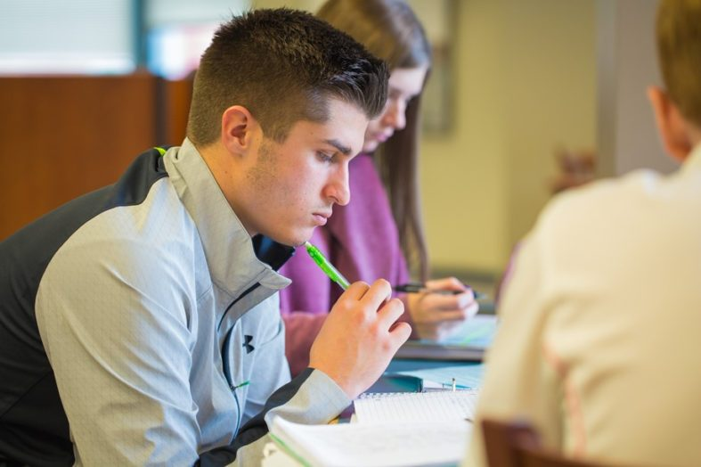 College Financial Aid and Expenses – Things You Didn't Know as a Student