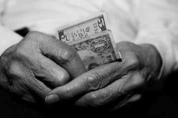 Age-old Money Saving Tips Inherited from Grandmoms which Still Work