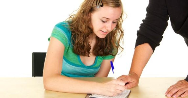 Should Your Teen Get a Checking Account?