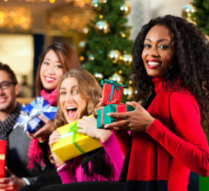 Explore the Cheap and Best Ways to Get into the Holiday Spirit