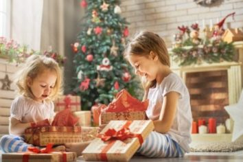 4 Exciting and Pocket-Friendly Christmas Gift Ideas for Kids