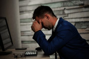 5 Worst Mistakes First-Time Investor Makes