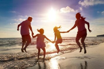 5 Insightful Credit Card Benefits for Family Vacations