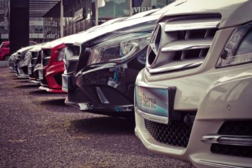 What Are the Most Popular Car Leasing Finance Options?