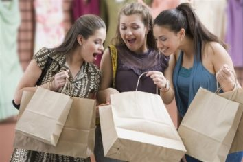 5 Creative Ideas to Carry Your Fashion on A Budget