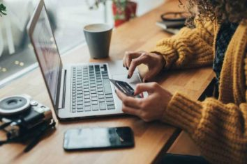 5 Insider Tips for Safe Online Shopping this Holiday Season