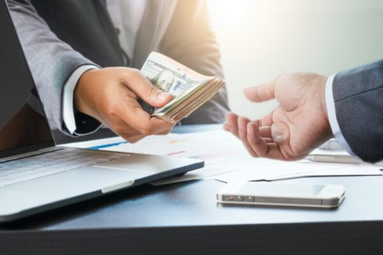 How to Pick the Right Business Loan Lender