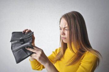4 Ways to Avoid Overdraft Fees